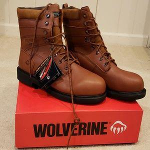 0d159874483 NWT Wolverine Durashock Boots NWT